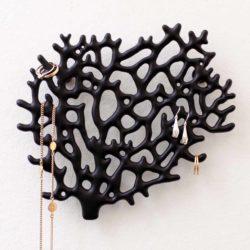 Bosign wand organizer voor sieraden koraal zwart