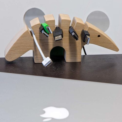 Cable Eater kabel organizer hout, schroefhaak grijs
