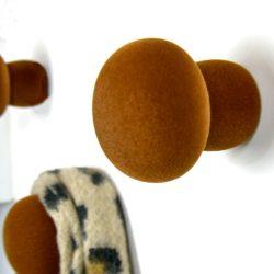 softknob velvet bruin 3